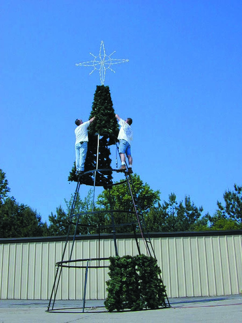How to decorate tall outdoor christmas tree - Could Any Outdoor Christmas Decoration Be More Impressive Than A 14 To 34 Tall Lighted Christmas Tree Check Out Our Complete Line Of Natural Branch